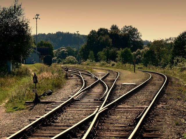 koleje u nádraží